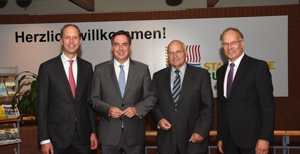 V.l.: Hoppenstedt, McAllister, Plaß, Deneke-Jöhrens